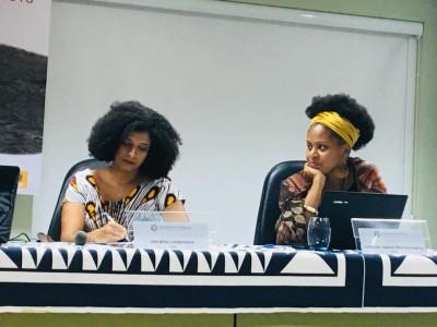 Ana Míria Carinhanha e Caroline Pires, doutorandas da UFF e pesquisadoras em questões raciais.